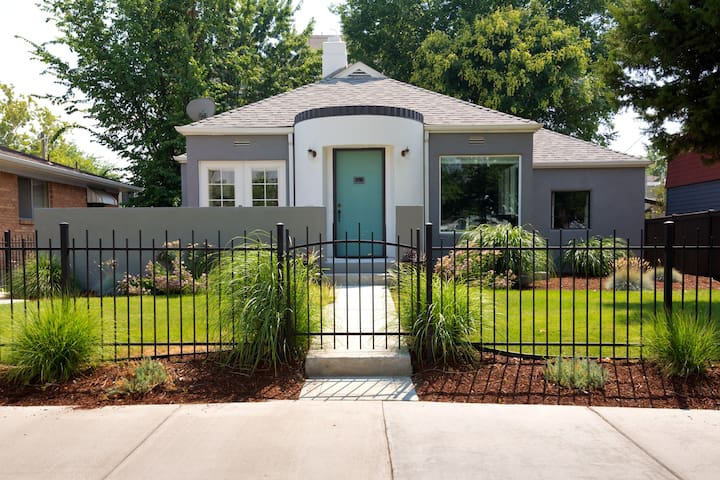 Downtown Boise-Spacious, Stylish, Private 3br/3ba