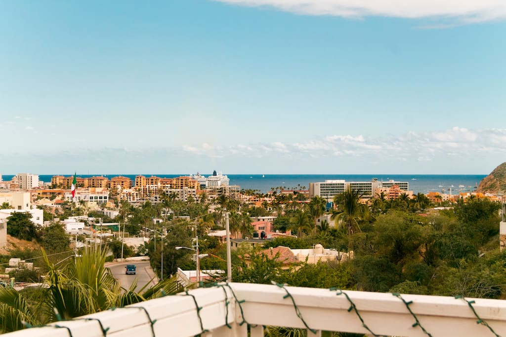 More incredible rooftop views, easy walk to the marinaand Sea of Cortez