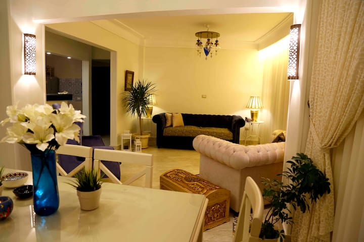 Very clean and cozy room in the center , nile view - Al Eini - Apartamento
