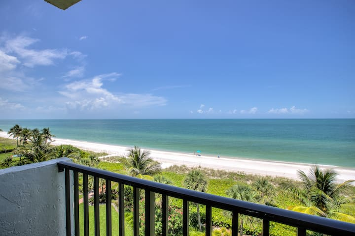 Ultra luxury Beachfront Paradise
