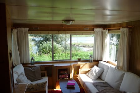 Caravan with a beautiful river view - Wapenveld