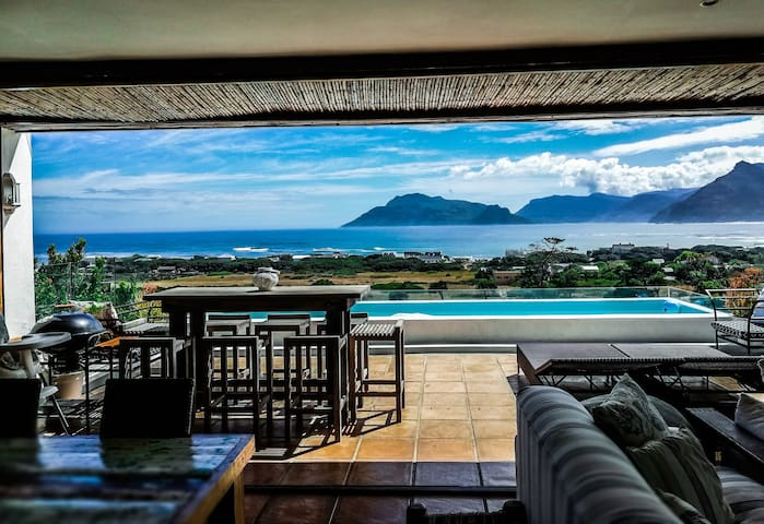 Mountain and Sea view apartment 3
