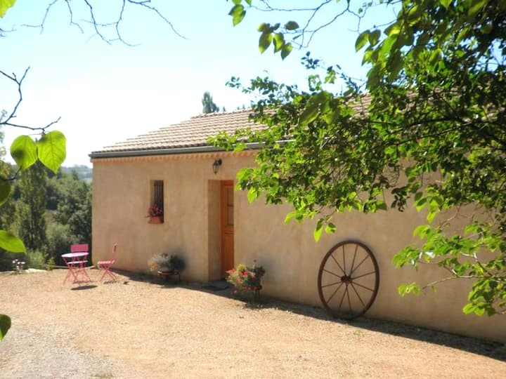 House with 2 bedrooms in Molières, with wonderful lake view, furnished garden and WiFi