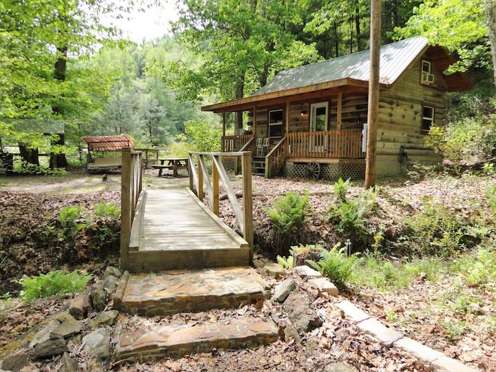Windy Corner cabin at Torrent Falls