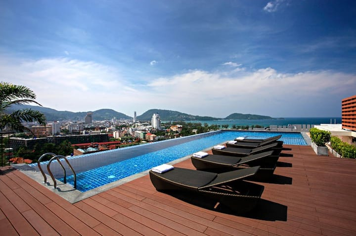 Sea View Studio in the center of Patong