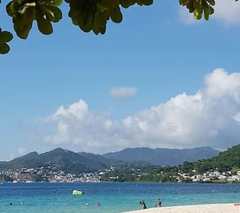 Spacious apt in beautiful Grenada - Marian