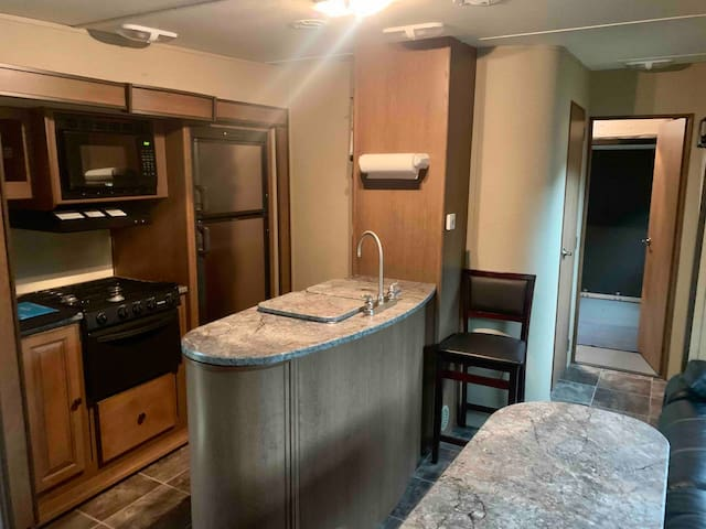 Lakeview 2 bdrm RV w/sandy beach.