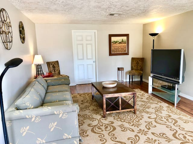 3BR Home in Historic District of Downtown Chandler