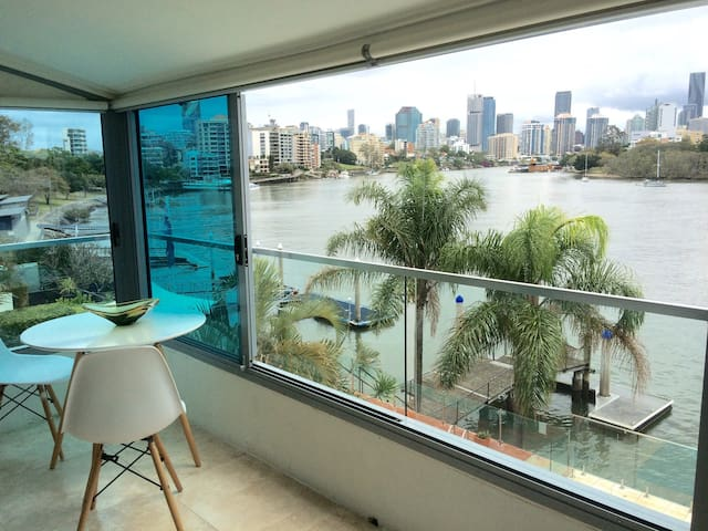 Gardens and Riverview 2kms to Brisbane City - East Brisbane - Loft