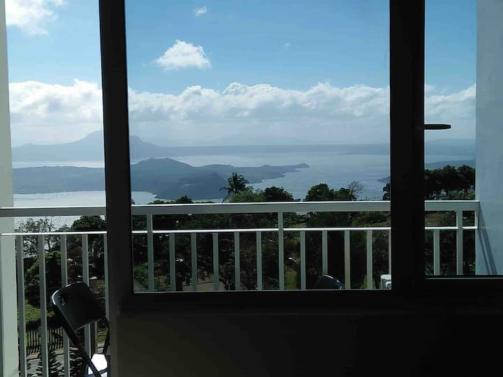 SM Wind Condo for Rent, Overlooking Taal Lake