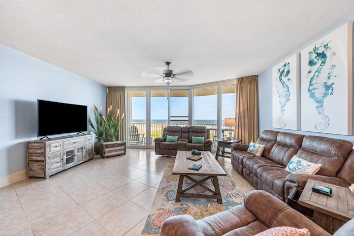 Recently Remodeled Three Bedroom with Gulf Views