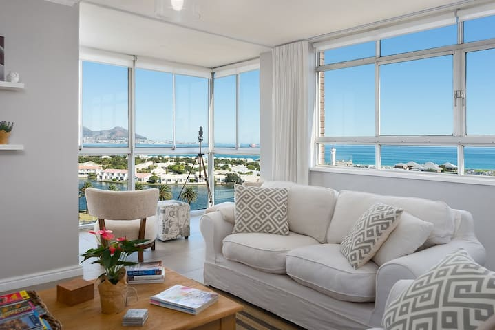The lounge has stunning views of Table Mountain, Table Bay and Robben Island. Sunsets are gorgeous.