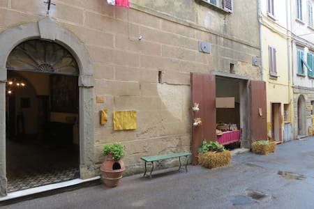 Family room in the heart of Tuscany - Montopoli - Bed & Breakfast