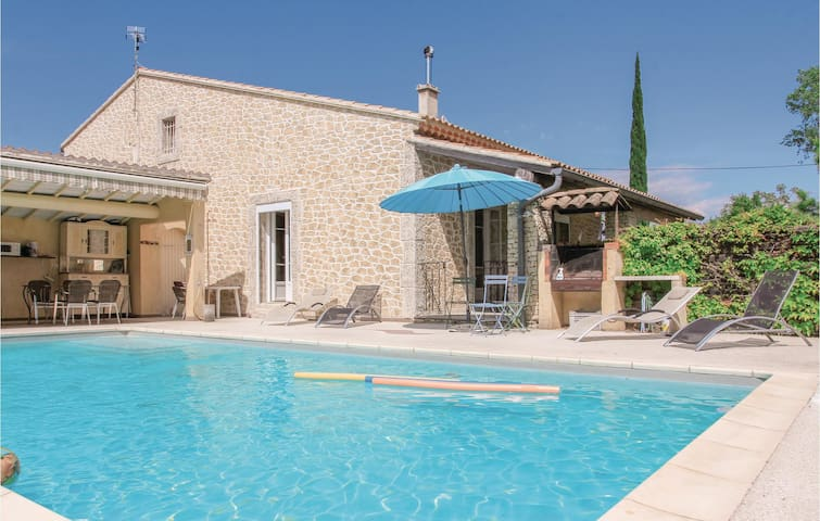 Holiday cottage with 4 bedrooms on 170m² in l'Isle sur Sorgue