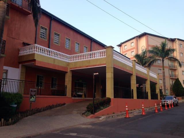 Ótimo apartamento! Giardino - Rio Quente - Appartamento