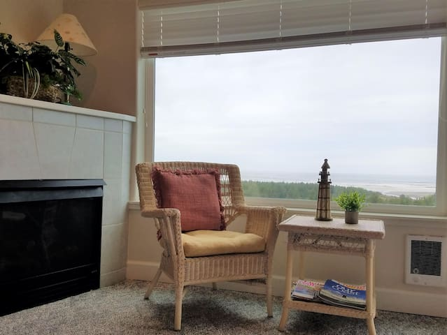 Sunset View - New Listing! - Winter Special! Book 2, Get 3rd Free!