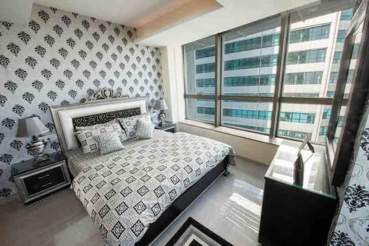 Exclusive 1600SqFt Apartment in Centaurus 10K/Nhgt