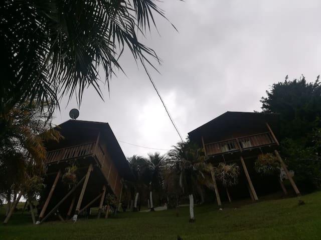 CABAÑA PAREJA EN GUATAPE