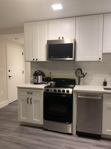 Modern Studio in Central DC - Mins from Metro