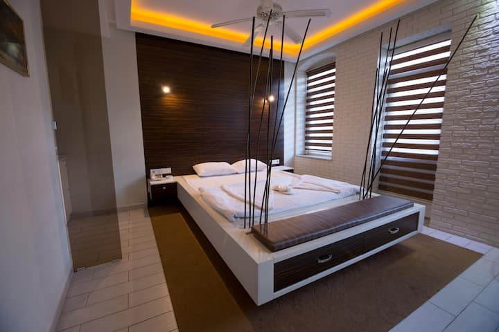 Deluxe Suites Studyo room in taksim square.(ES4)