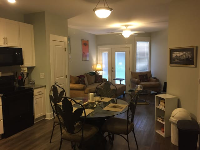 New apartment 10 minutes from downtown Wilmington