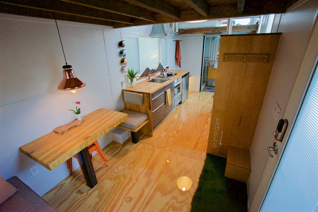 Tiny House Experience 296sf 1 4 Peeps Tiny Houses For