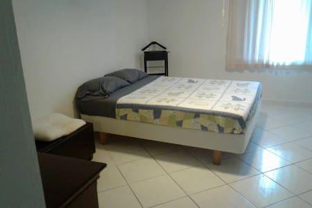Big private room - North Lauderdale
