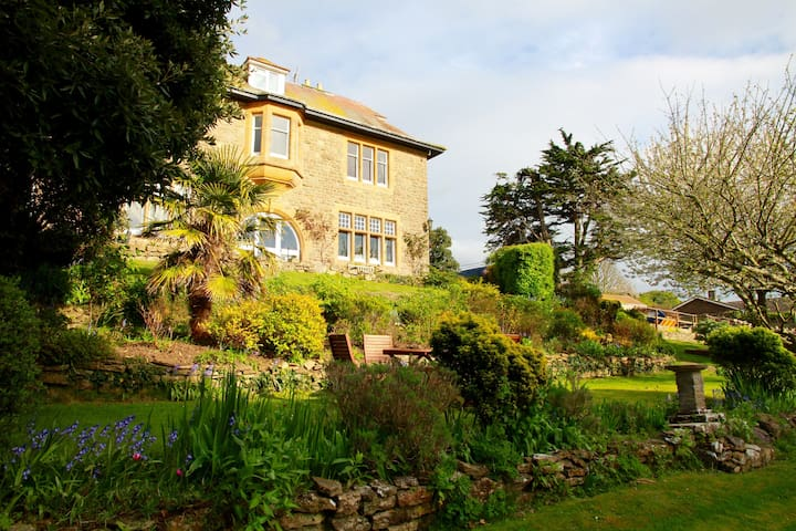 Roundham House, West Bay/Bridport - Bridport - House