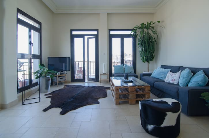 stunning 1 BR appartment, see view, beach access - Doha - Leilighet
