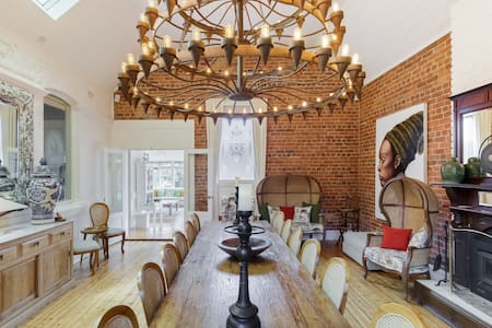Rent Your Own Luxury Hotel In the Historic Maldon Goldfields