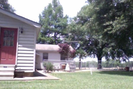 Apartment in the Country - Atmore - Apartment