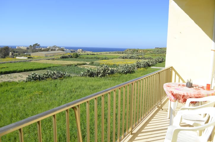 Country Sea View Apartment