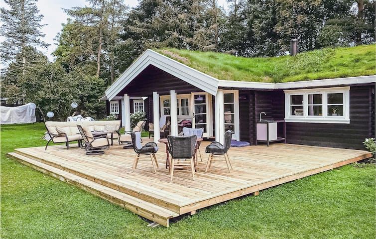 Holiday cottage with 3 bedrooms on 92m² in Gilleleje