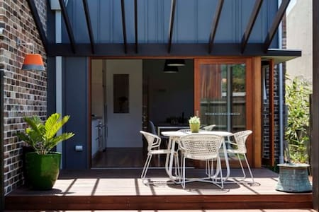 WOW! 4 bedroom house close to Sydney city&airport - 马利克维尔