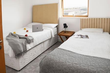 1 bedroom apartment   Netflix & Home Cinema, view