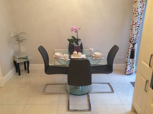 ***Galway Races - ensuite double room***