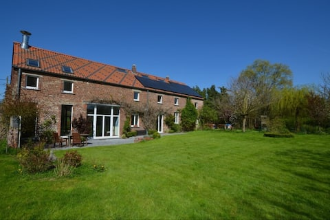 Cosy farmhouse, spacious garden 30km from Brussels