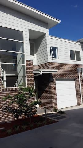 Brand new 3 bedroom townhouse - Penrose