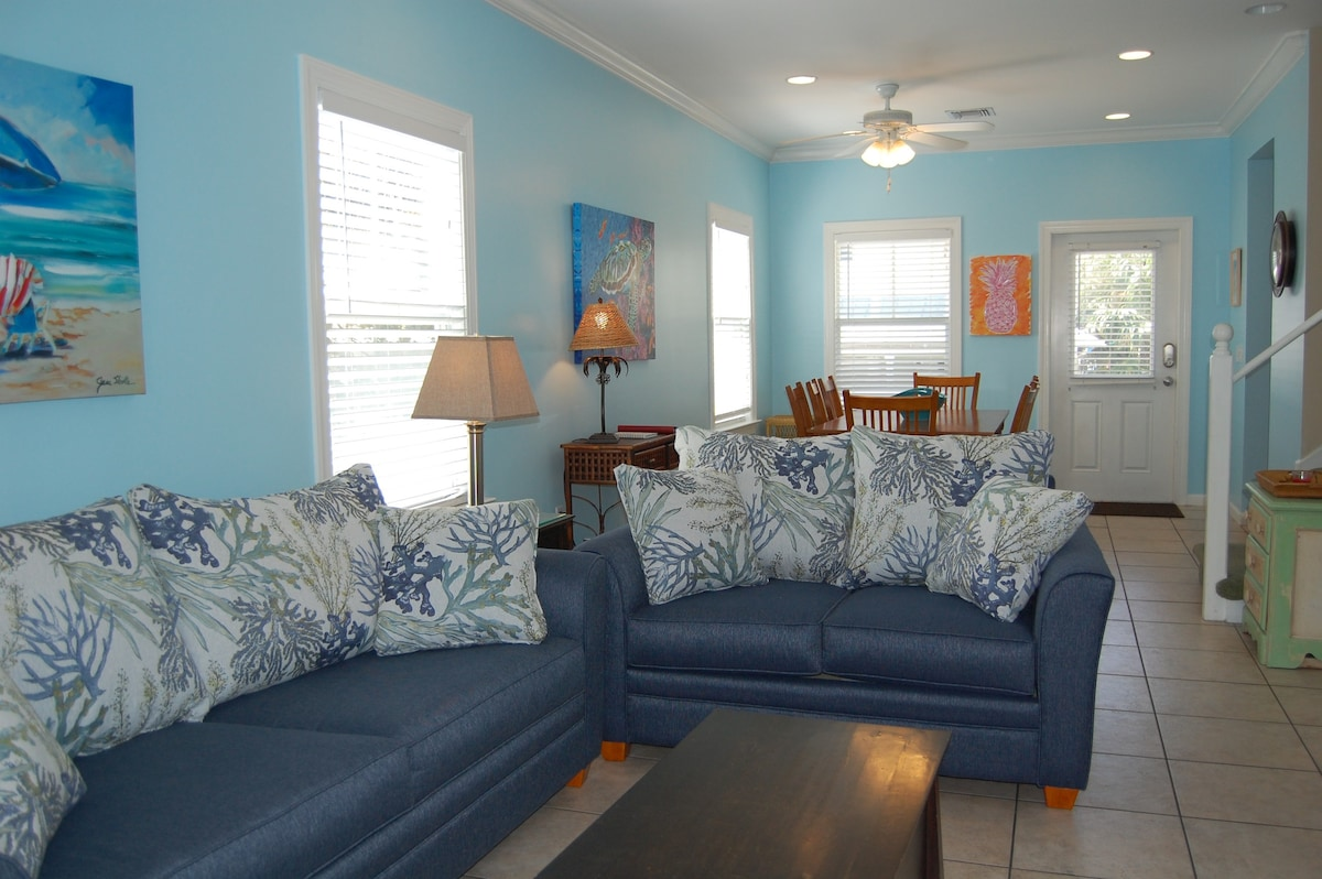 coral hammock 3 3 quiet location in key west   townhouses for rent in key west florida united states coral hammock 3 3 quiet location in key west   townhouses for rent      rh   airbnb