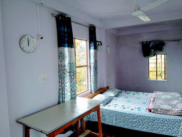 MAWLYNNONG UMPOHLIEW HOMESTAY 2 ROOMS