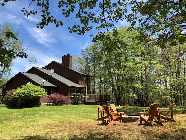 Beautiful House at Poconos w/Fire Pit /Huge Decks