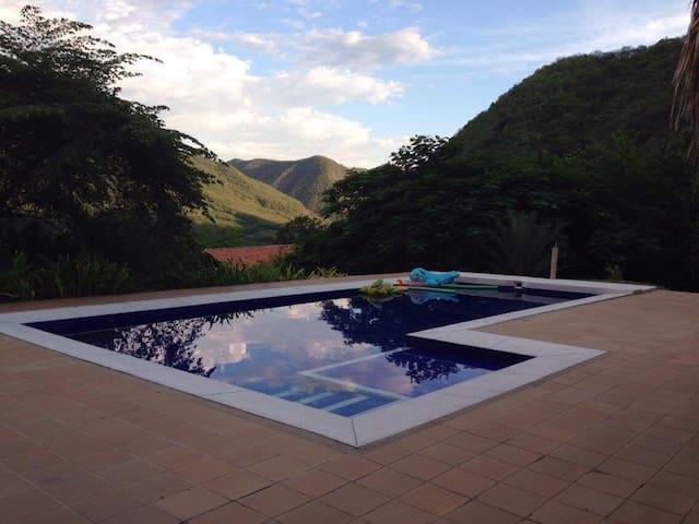 Finca en Apulo con piscina privada - Apulo - House