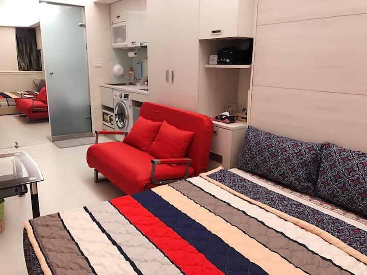 捷運中山站獨立電梯套房有廚房浴缸 1-3人靠近欣欣晶華商圈 中山商圈