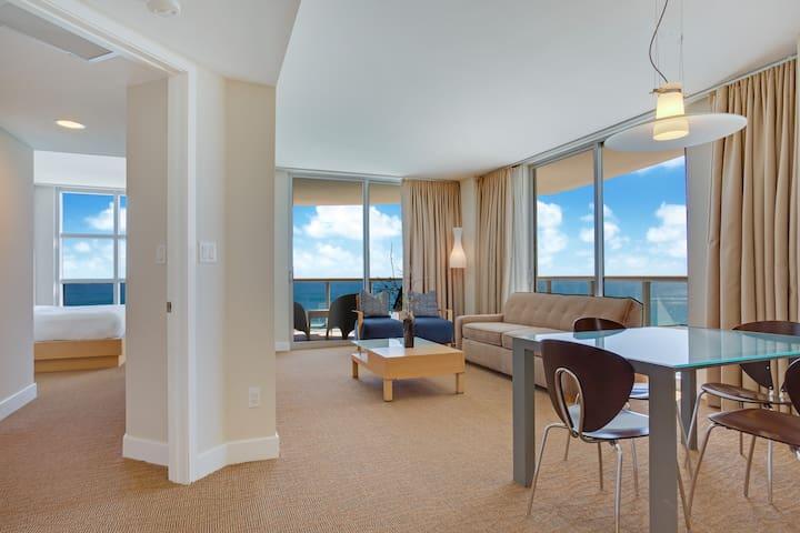 Ocean Front 2 Bedrooms Apartment