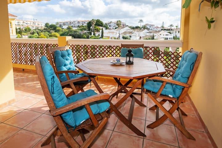 El Faro - Modern 2BR Apartment by Rafleys, 10 mins Walk to the Beach