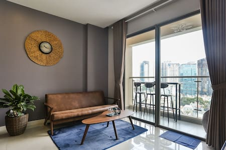 CITY CENTER VIEW * 2 BR WITH SKY BAR MINI @BALCONY