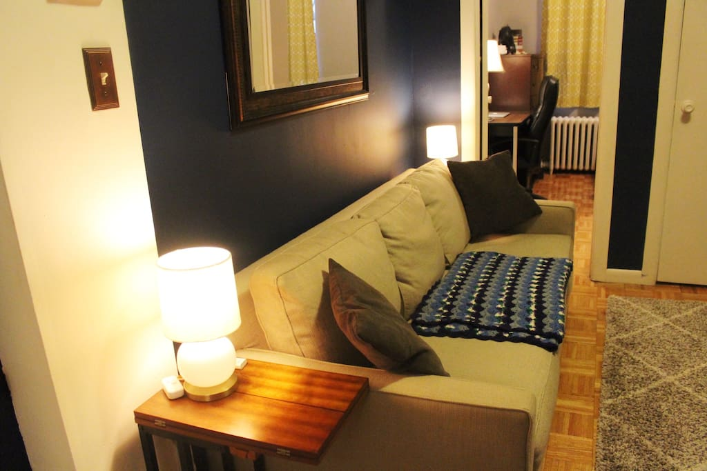 Super comfy couch, dimmable West Elm lamps