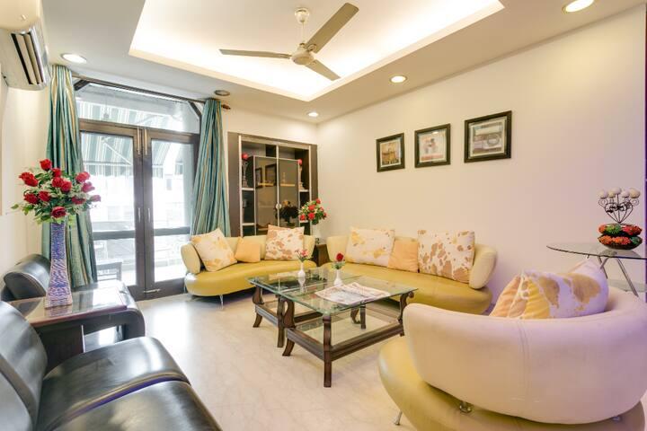 HUGE 4 BHK Apartment @ South DELHI, # near METRO