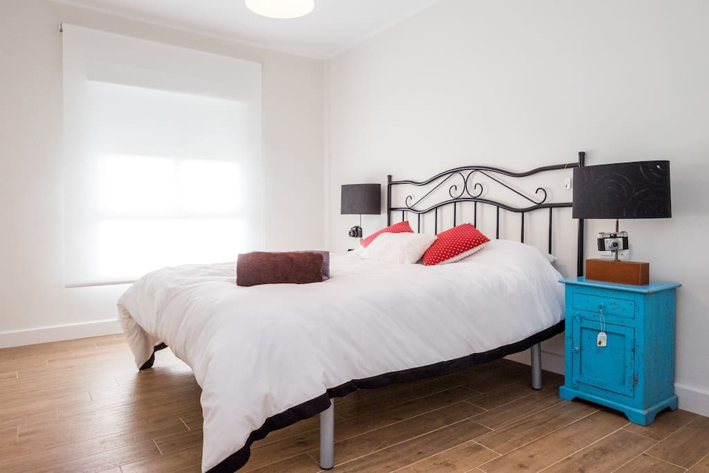 3 BEDROOMS (of which 2 with Top quality QUEEN BEDS and ERGONOMIC PILLOWS) + WARDROVE