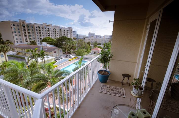 Middle of Downtown West Palm Beach & CityPlace - West Palm Beach - Apto. en complejo residencial